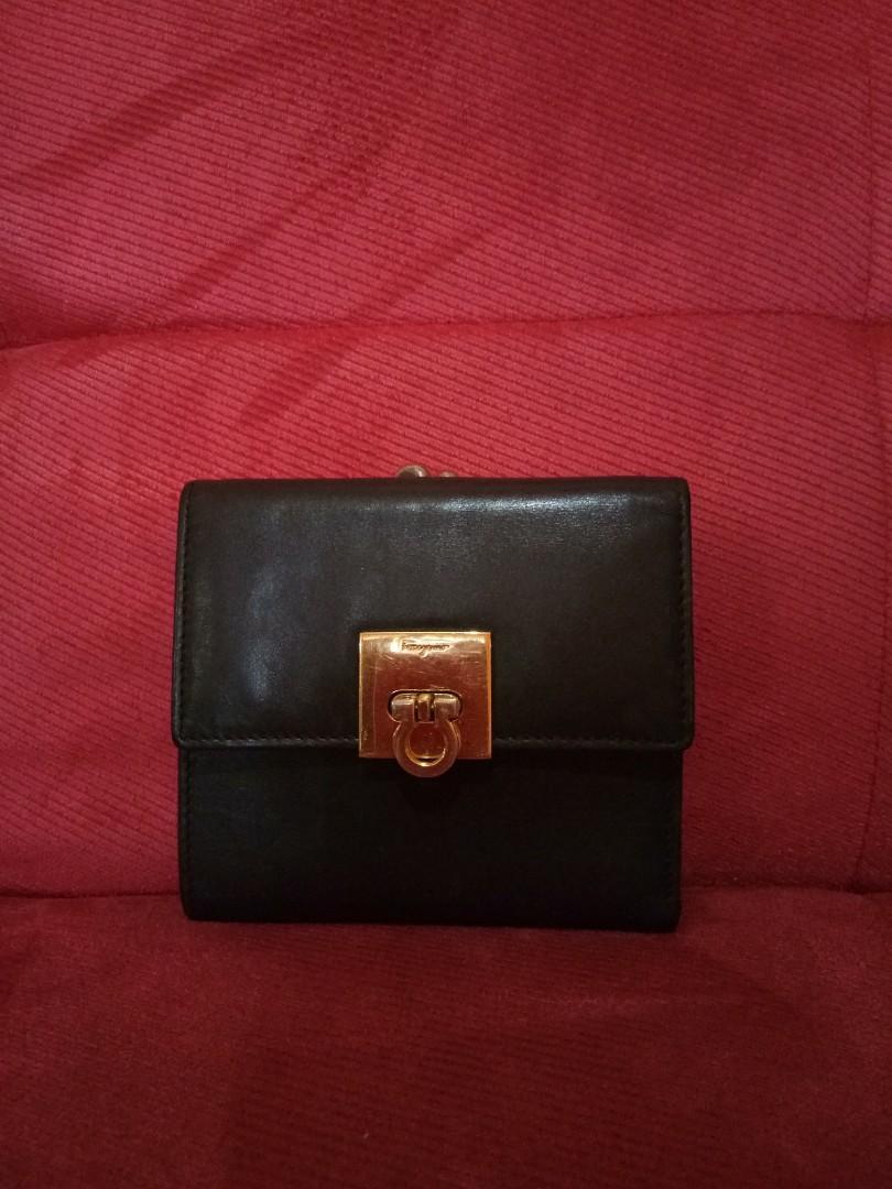 Preloved Salvatore Ferragamo Wallet Authentic #visitsingapore #prelovedwithlove