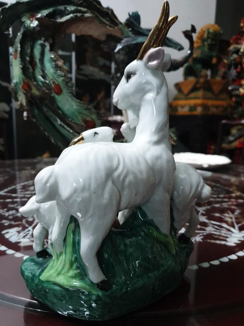 Ram Goats chinese vintage porcelain statue