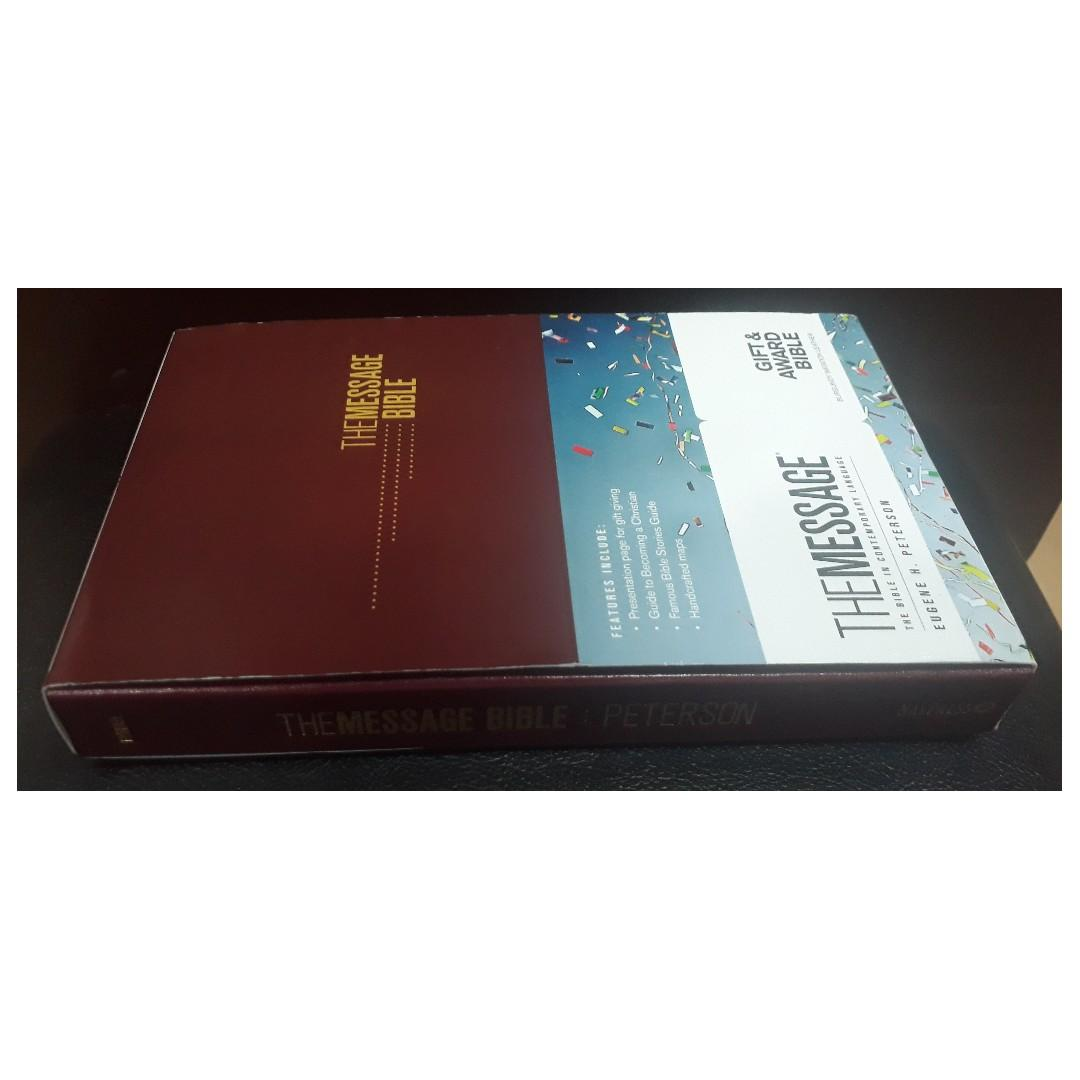 The Message (The Bible In Contemporary Language) Gift & Award Bible (Wine Cover)