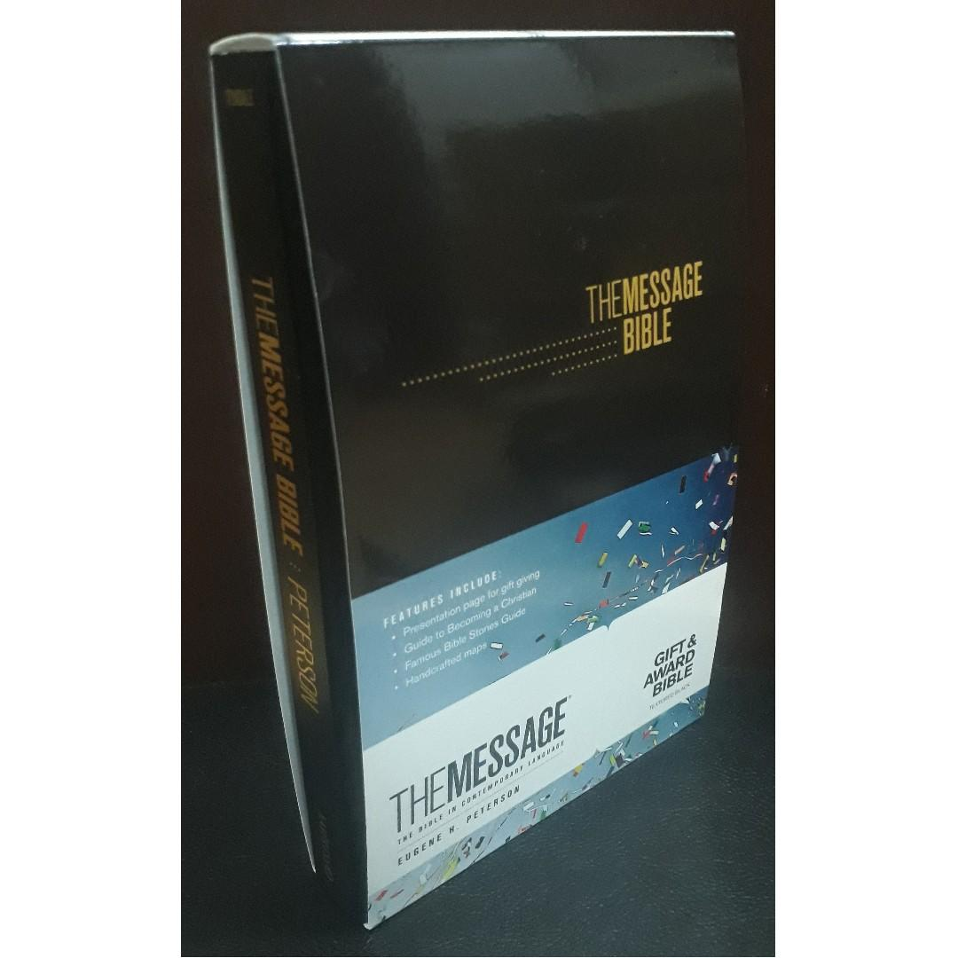 The Message (The Bible In Contemporary Language) Gift & Award Bible (Black Cover)