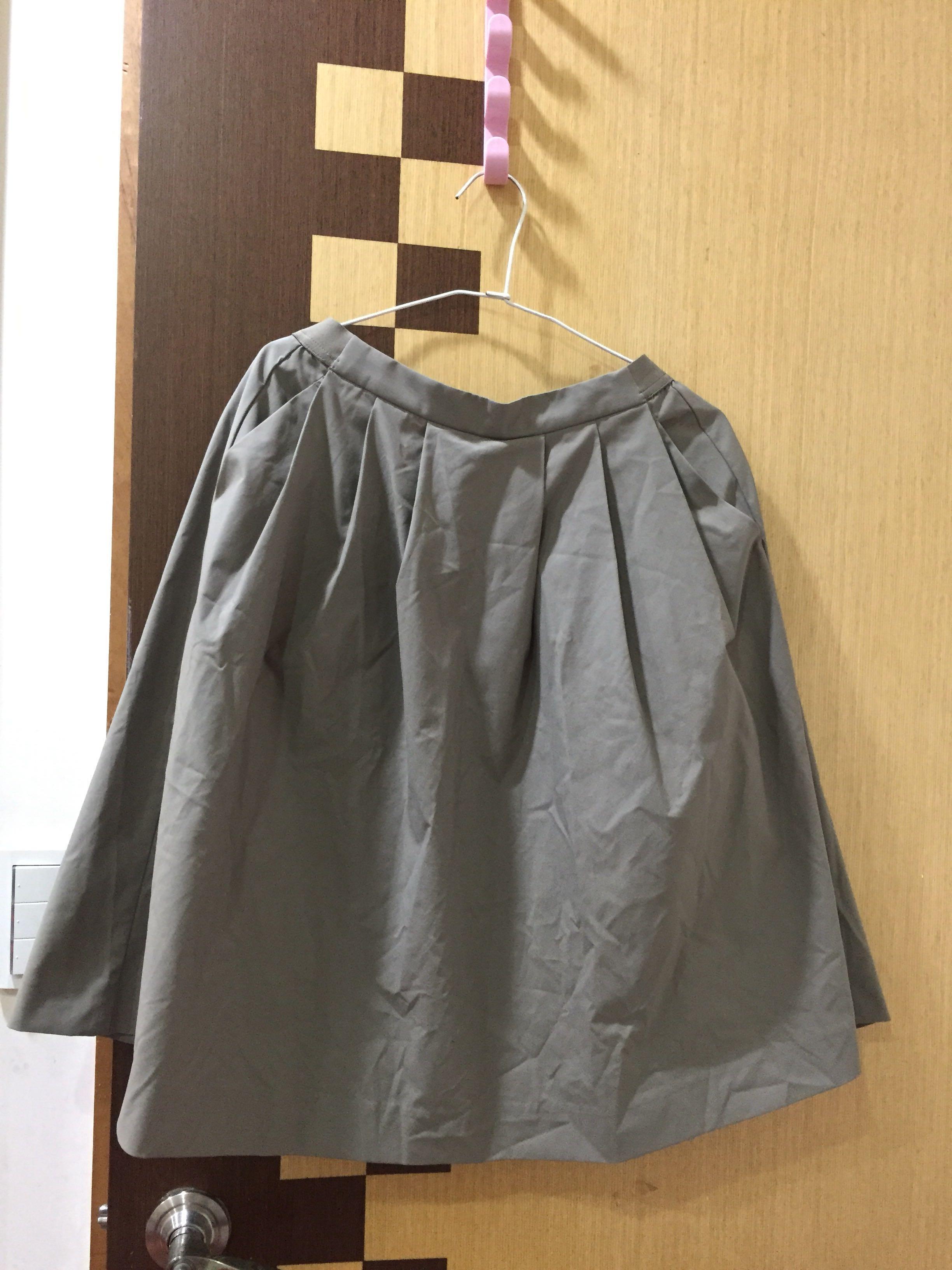 Uniqlo軍綠中裙