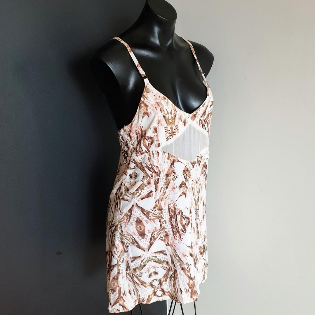 Women's size 8 'TALLOW' Gorgeous touchstone racerback sheer panel dress - AS NEW