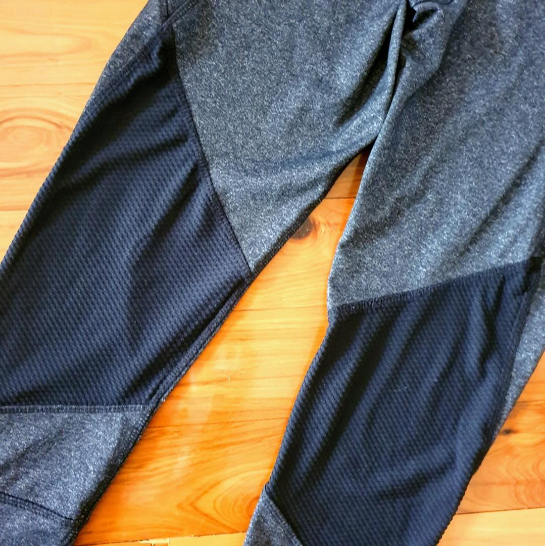 Women's size S 'SIMPLY VERA WANG' Gorgeous charcoal 3/4 activewear tights - AS NEW