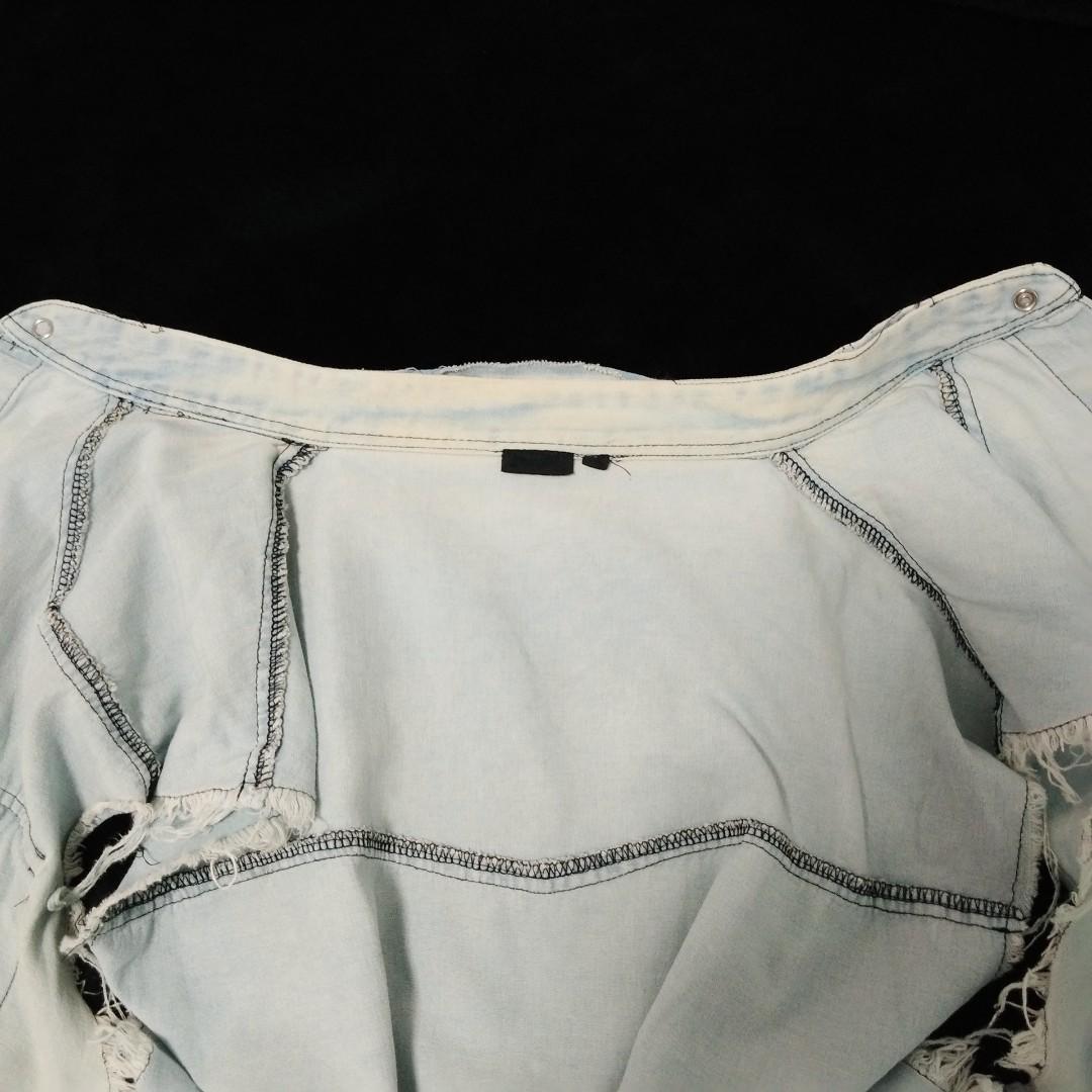 Wrangler soft denim style vest with frayed sleeves
