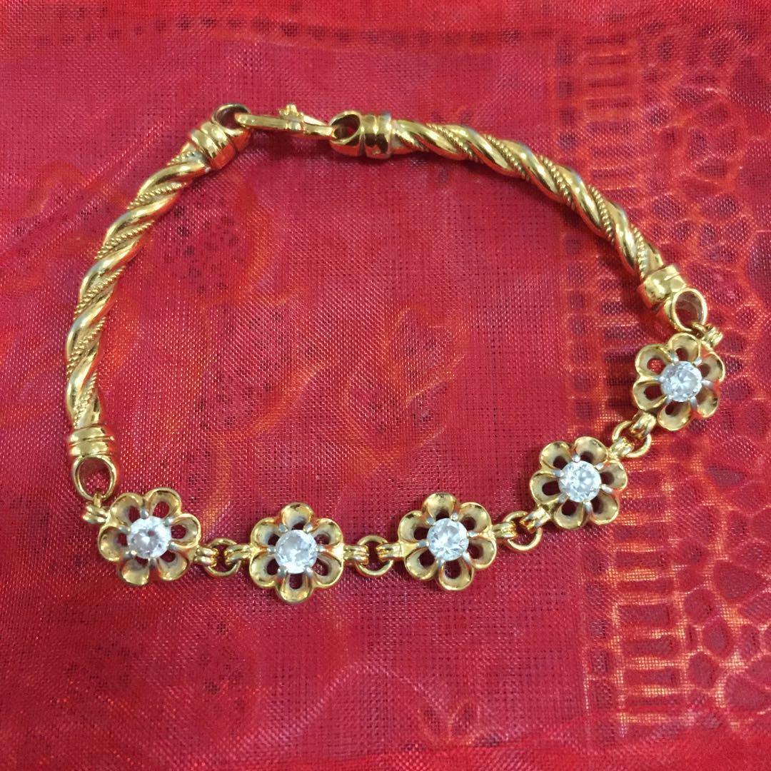 Zhulian gold plated bracelet
