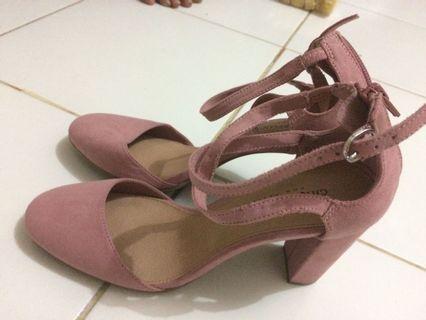 heels pink nude
