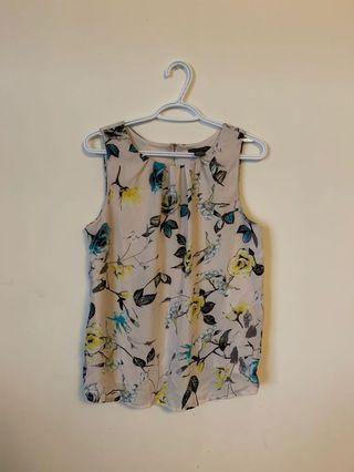 Suzy Shier Sleeveless Top (Size L)