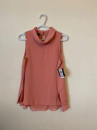 Alfari Sleeveles Mockneck blouse (Size 6)