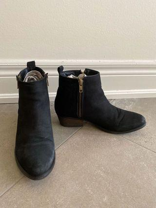 Womens Ankle Boots, Size 7