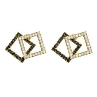 Anting tusuk black n white squares