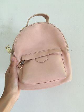 粉色小包包(可放短夾中夾)