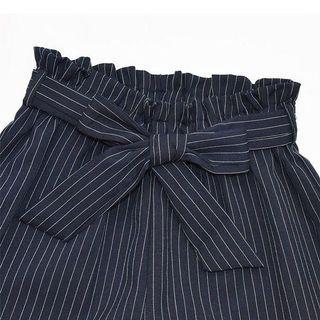 全新|條紋花苞短褲