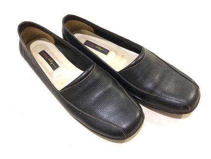 Black Flat Slip On Shoes #joinoktober