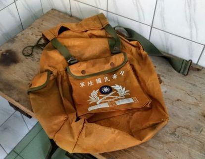 陸軍黃埔大背包—古物舊貨、早期國軍軍用品收藏
