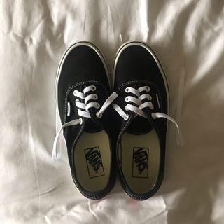 Authentic Vans Classic Core Black Sneaker #lelong80