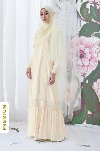Calaqisya Alila Dress in Cream Meringue