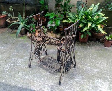 SEIKI裁縫機腳架(鑄鐵針車腳)—古物舊貨、早期民藝、鑄鐵件、針車收藏