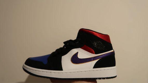 Nike air jordan 1 mid top three lakers