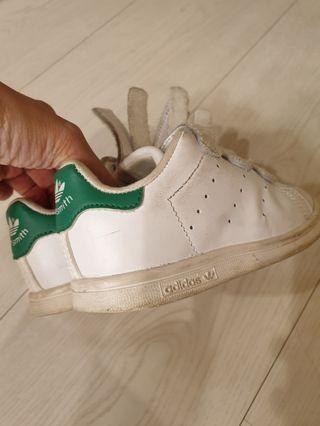 adidas童鞋