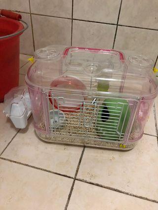籠子+滾輪+鋼珠水瓶+外出籠+飼料+磨牙零食+保暖墊