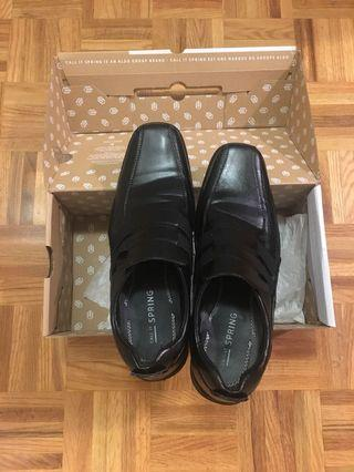 Call it Spring black dress shoes size 9.5