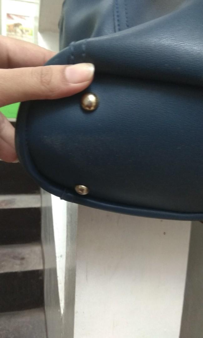 Blue Sling Bag / Tas Navy Biru
