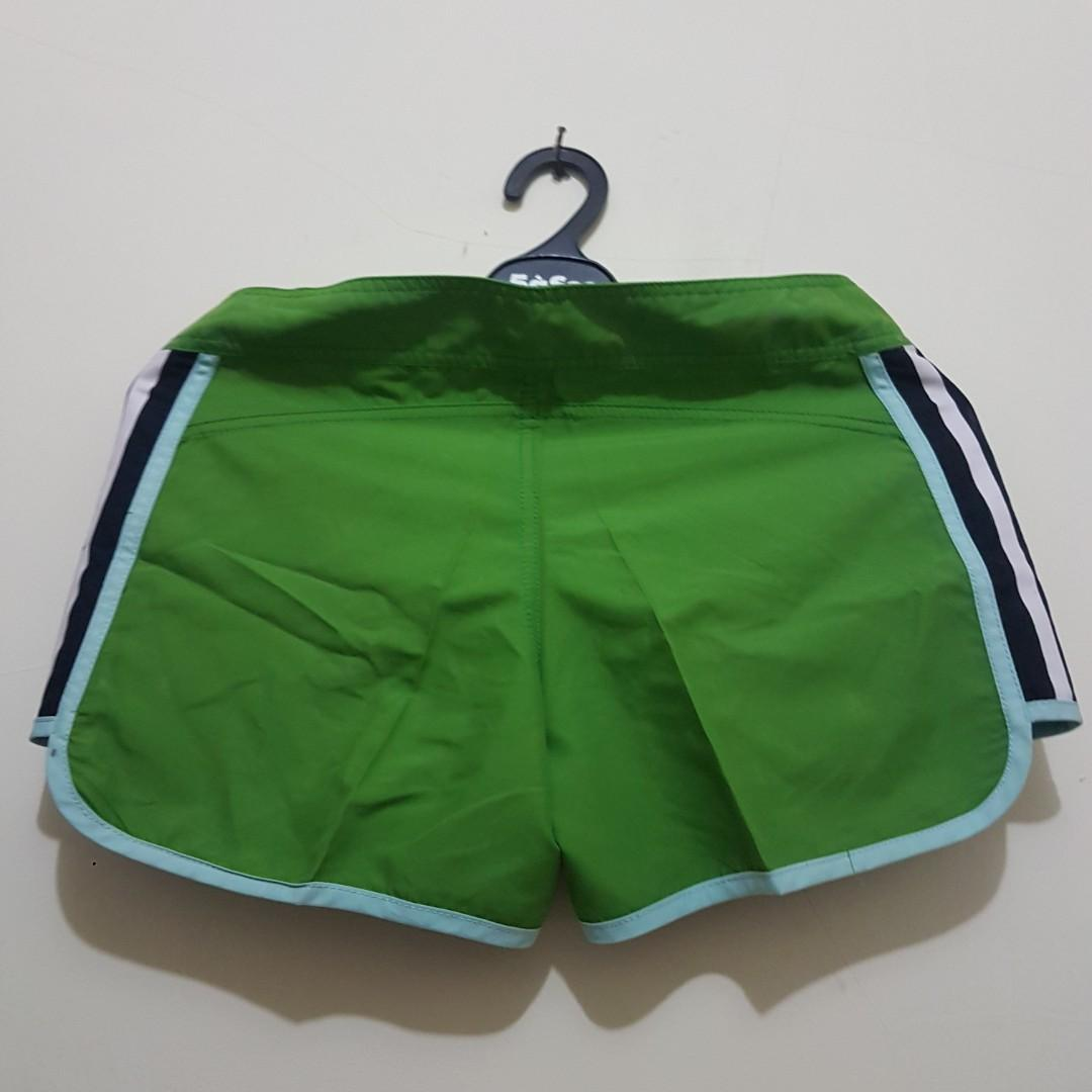 Celana Adidas hijau