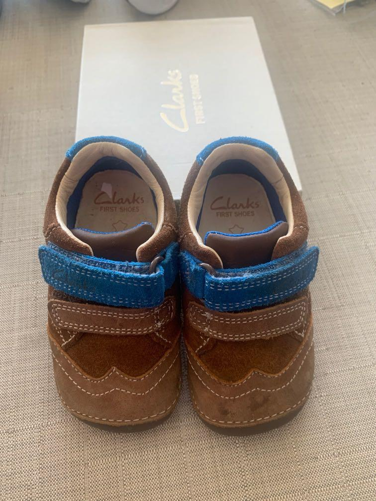 Clark's First Shoes size 4 walkers