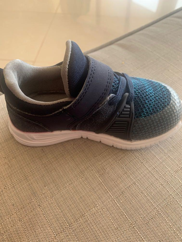 Clark's running shoes baby/toddler boy size 22