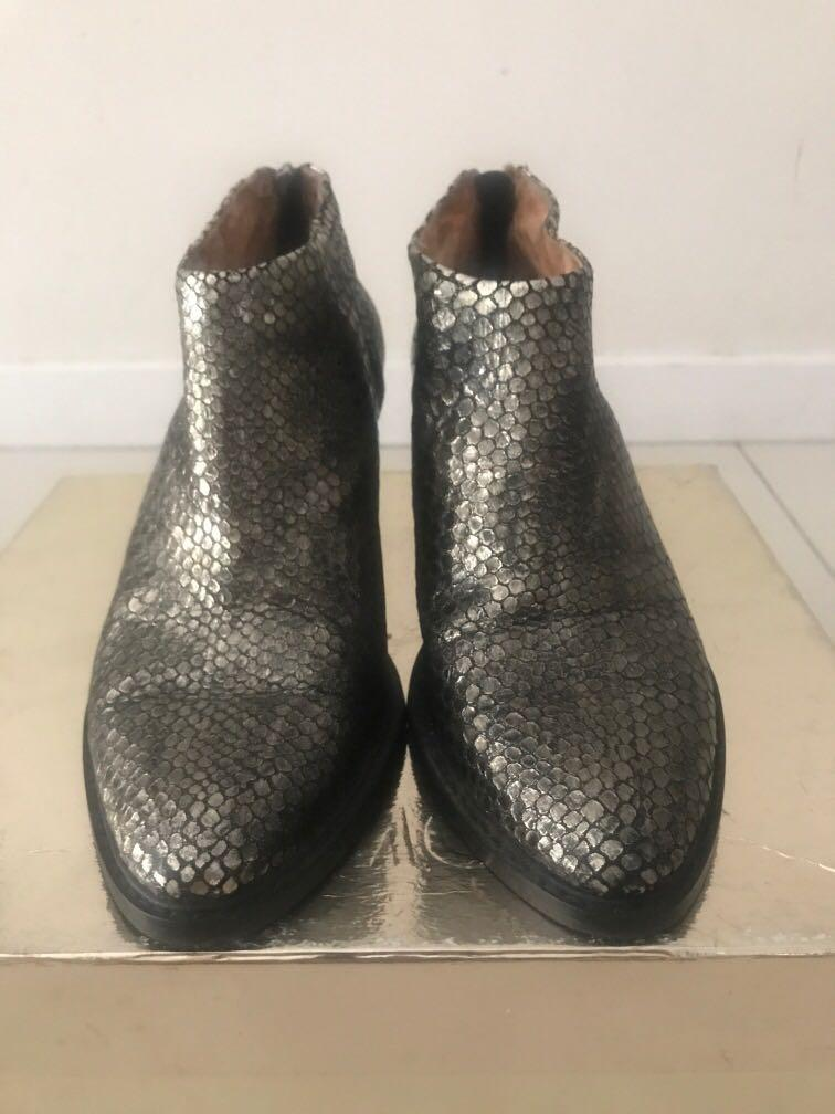 MIDAS metallic animal print leather boots size 38  - worn to an event