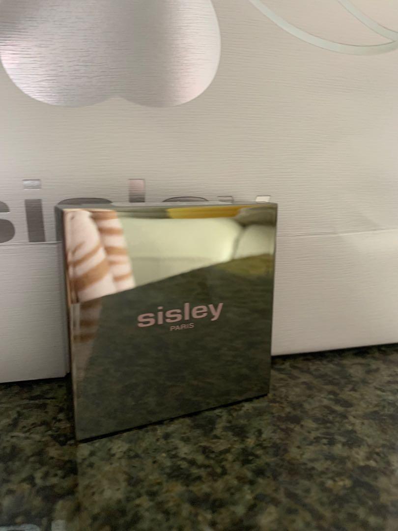 Sisley柔焦修瑕美妝粉餅