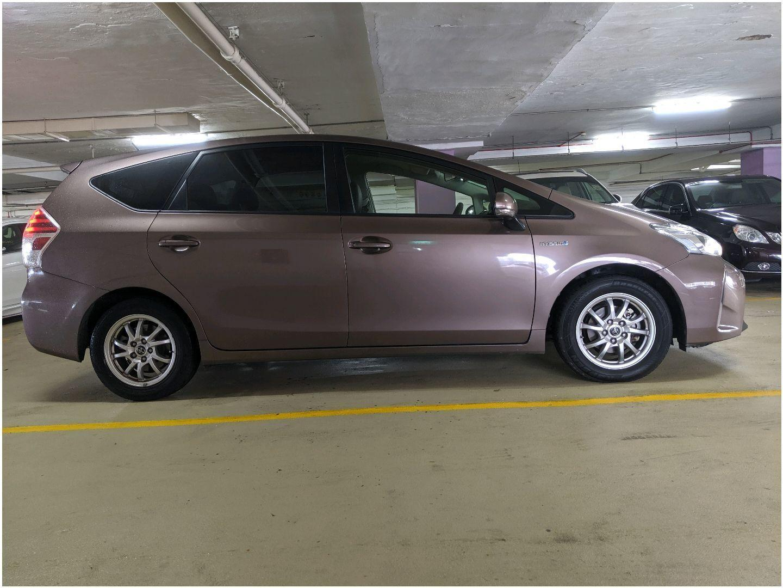 Toyota Toyota Prius Alpha Hybrid (PHV / Personal Usage)