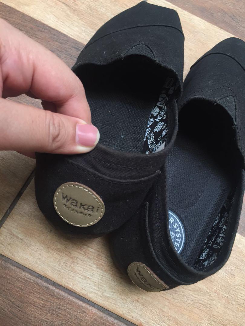 wakai shoes original