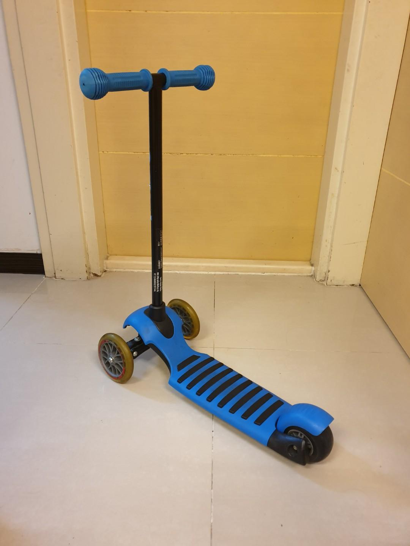 YVolution Glider 三輪滑板車