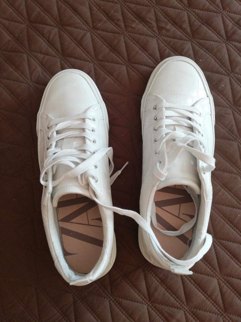 Zara Women white shoes, Women's Fashion
