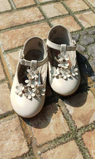 Sepatu anak perempuan 2-3thn