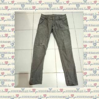 Celana jeans cowok abu