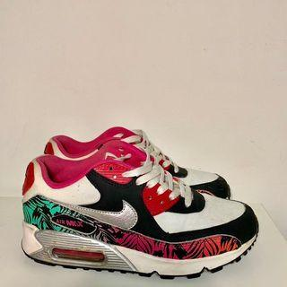 絕對正版近全新Nike air max air better world(女)