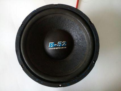 B52 USA subwoofer 10inch 100..oz magnet