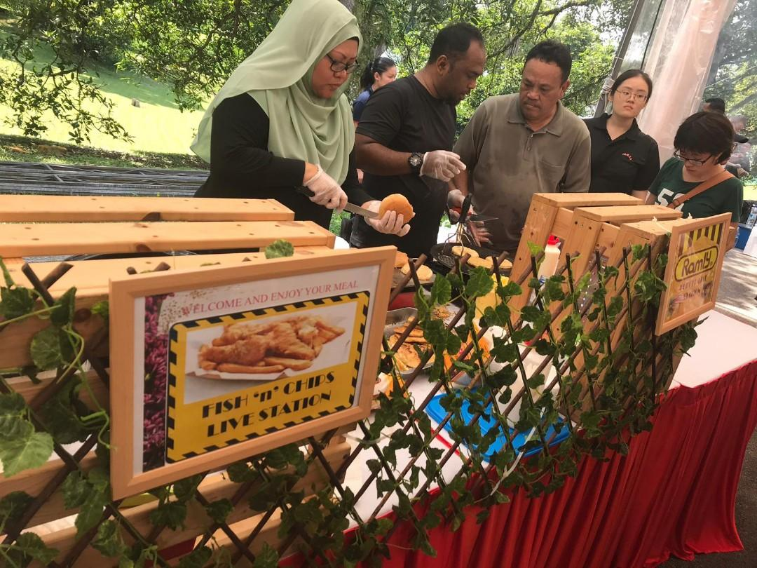 100% Muslim Owned Food Live Station