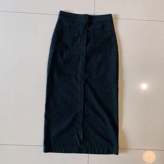 麂皮排釦雙口袋氣質長裙/S