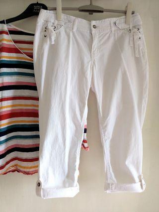 白色有型休閒褲~近新