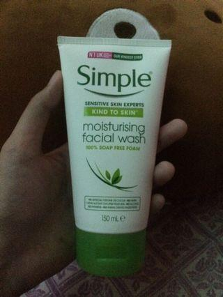 Simple Moisturizer Facial wash