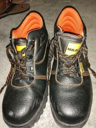 Mr. DIY safety boot Size 44eur 10uk 11us