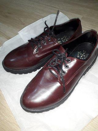 MIT復古酒紅厚底鞋