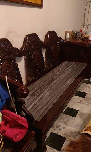 實木大理石雕刻沙發,冰涼好坐,天熱省電絕佳首選,絕不怕蟲蛀:三人座×1,一人座×4,長茶桌×1,短茶桌×2,全套超大組合=14900