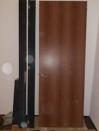 Laminated wood door