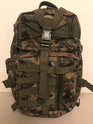 戰術迷彩背包 健行適用