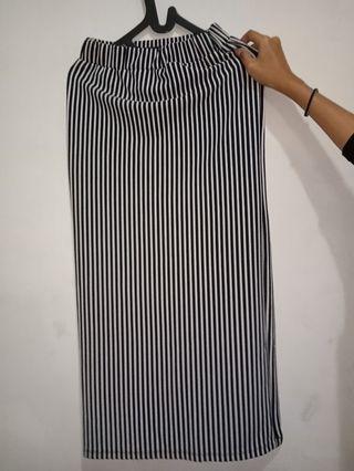 Stripe Skirt - Rok Span Monochrome