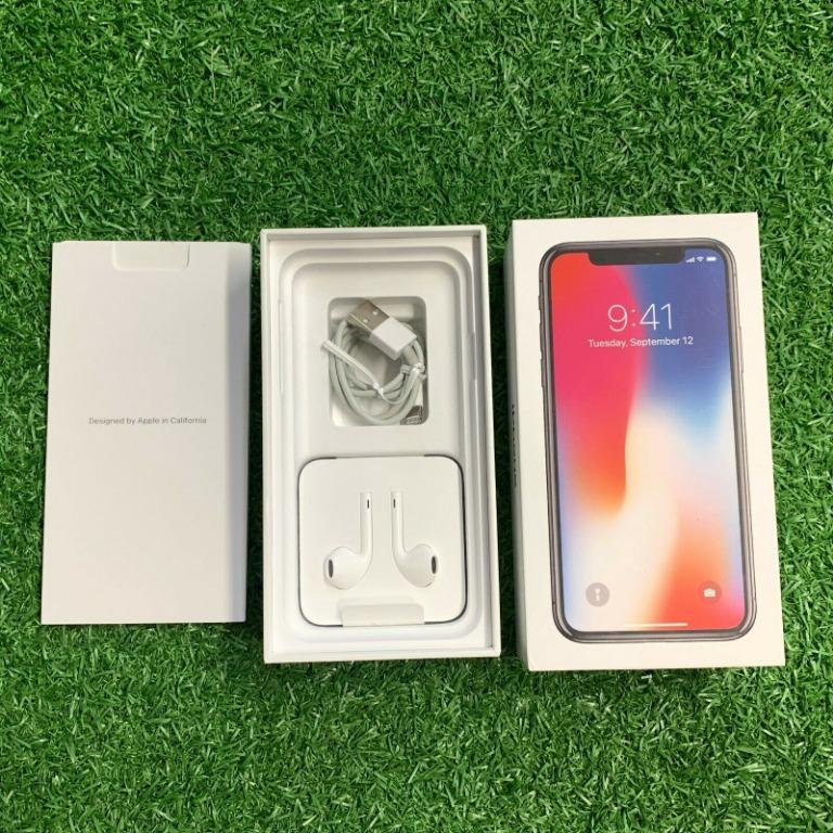 Apple iPhone X - 256GB - Space Grey + Case (Unlocked) (next to new!)